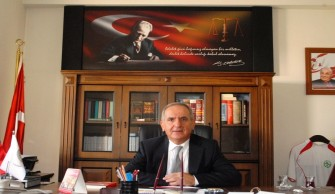 Gazeteci Can Dündar Ve Erdem Gül'e Bir Destekte Artvin Baro Başkanlığı'ndan