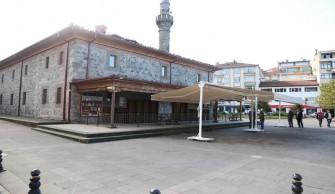 Merkez Eski Cami Çevre Düzenlemesi Çalışması Yapıldı