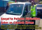 Şavşat'ta Polisten Sürücülere Şeker ve Çikolata İkramı